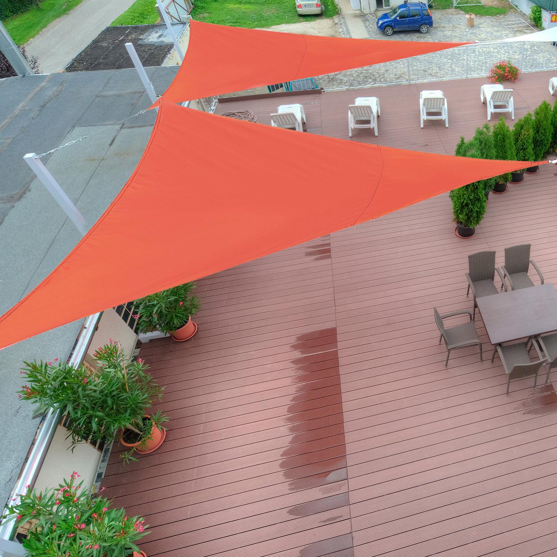 Image of EUR21,99 Outsunny Toldo Vela Triangulo tipo Sombrilla o Parasol para Terraza Jardín o Camping - 4x4x4m Black Friday 01-0663 8435428700843